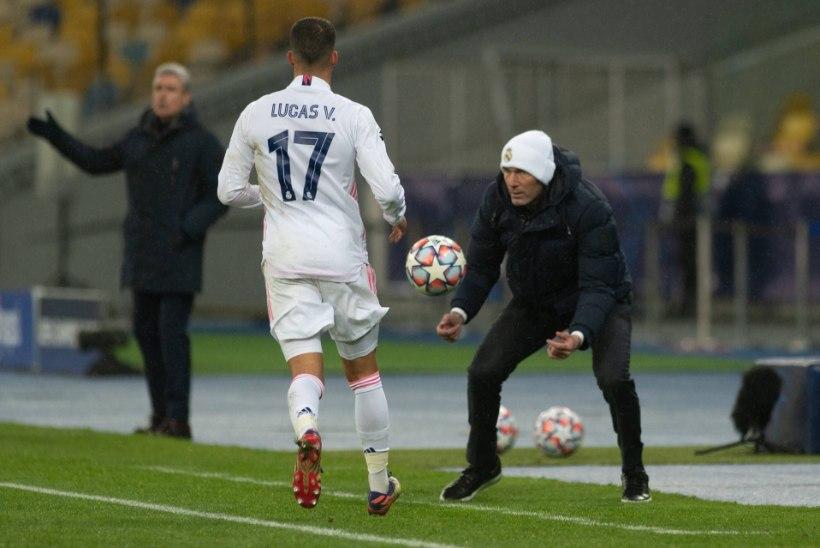 Realiga kuristiku äärel kõlkuv Zidane ei kavatse tagasi astuda