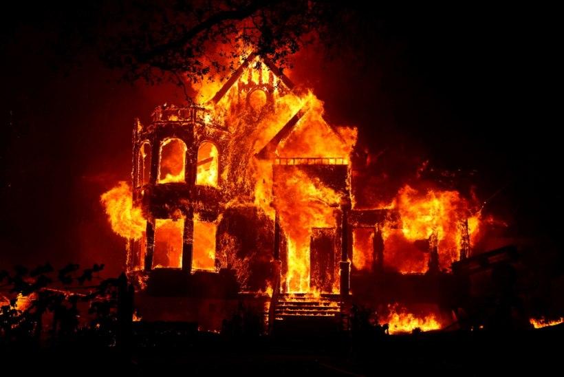 VAIKNE AASTA: maailm hoidis hinge kinni, kuni enam hingata ei saanud ja prahvatas vimm...