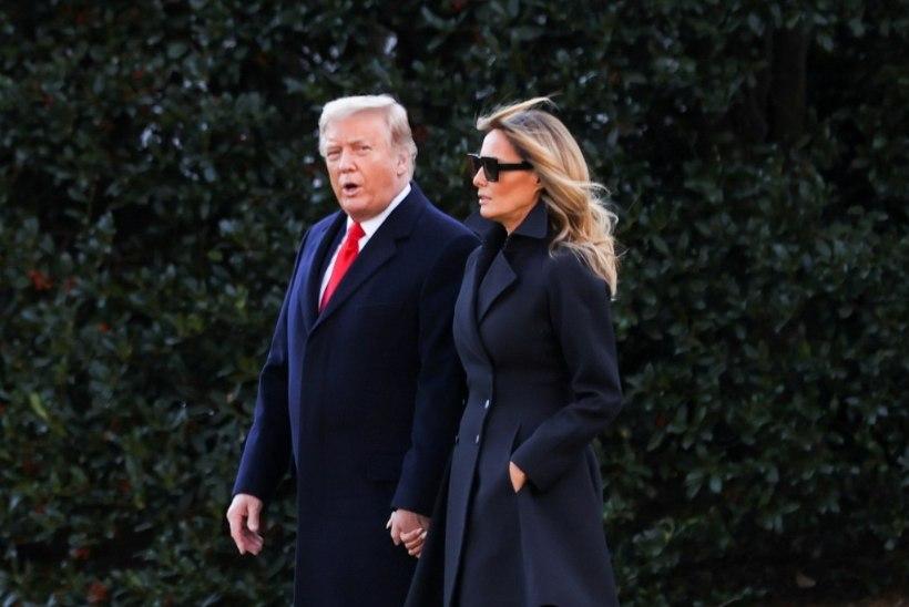 KUHU JÄI ESIMENE LEEDI? Donald Trump poseeris tütre pere jõulufotol ilma abikaasata