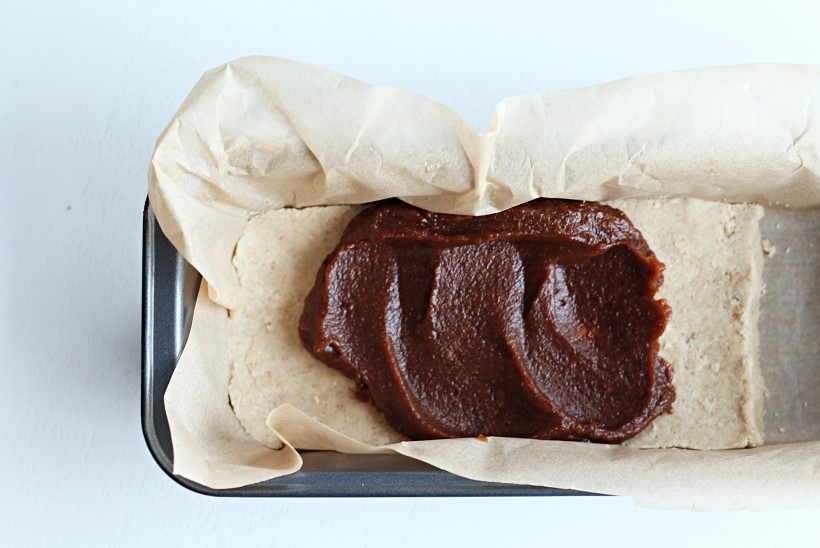SAMM-SAMMULT   Hõrk karamelli-pähklimaius šokolaadis