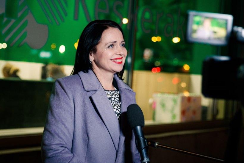 UUSTULNUKA ALGATUS: Anneli Ott tahab upitada ministrite eluasemehüvitise poole priskemaks