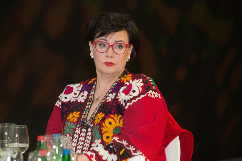 Lõpuks ometi: Narva volikogu valis uueks linnapeaks Katri Raiki