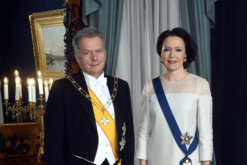 Soome esileedi Jenni Haukio nägi presidendi vastuvõtul välja kui Lumivalgeke