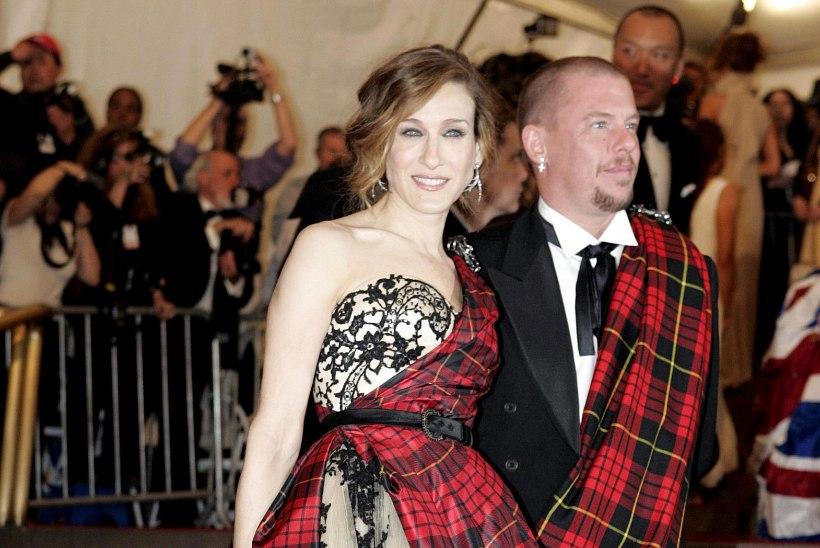 """Äärmuslik Alexander McQueen: """"Mulle meeldiks, kui inimesed mu etenduselt lahkudes oksendaksid."""""""