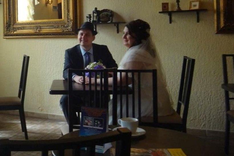 RIIGIREETMINE!? Vene abielupaari pulmas jäi fotole FSB agent