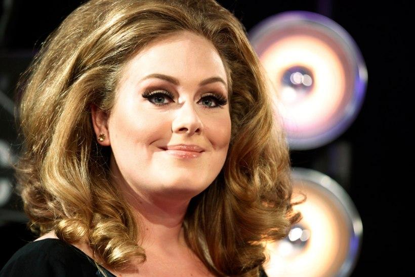 DRAMAATILINE KAALUKAOTUS: Adele näeb välja kõhnem kui eales
