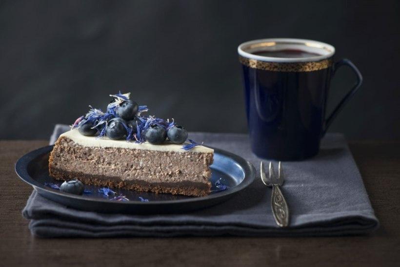 Toorjuustukook kohvi, šokolaadi ja mustikatega
