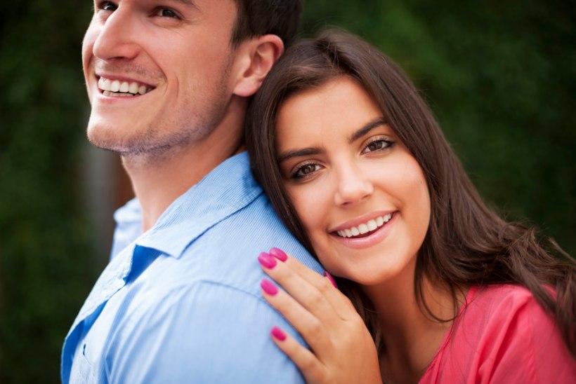 ET SUL OLEKS ILUS JA TERVE NAERATUS: nõuanded, kuidas võidelda hambaaukude vastu!