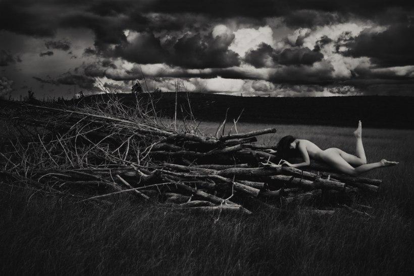 Vivian Ainsalu viib meid looduses pildistatud portreede lummavasse maailma