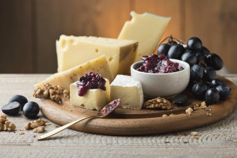 Aiva-viinamarja juustumoos