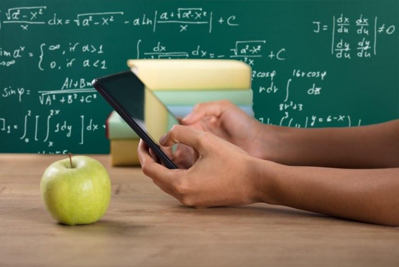 Armastus koolis: väike flirt õpetaja ja õpilase vahel käib asja juurde, aga sellel on kindel piir