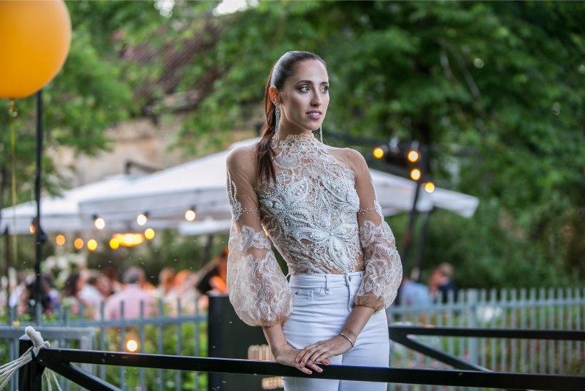 KAUNIS KAADER | Elina Nechayeva postitas endast topless pildi