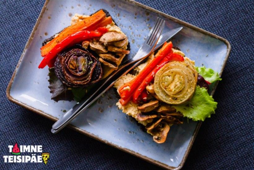 Krõbedad rukkileivad hummuse ja grillitud köögiviljadega