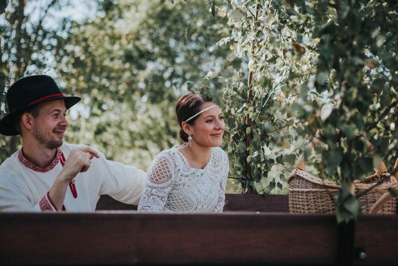 Sandra Vabarna kandis presidendi vastuvõtul oma pulmakleiti
