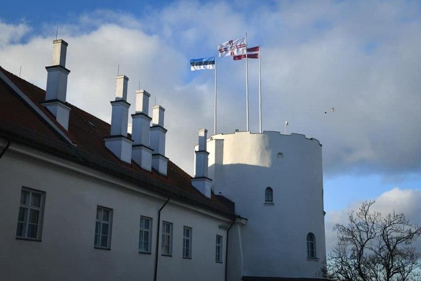 FOTOD | Läti president andis käsu Riia lossi kohale Eesti lipp heisata