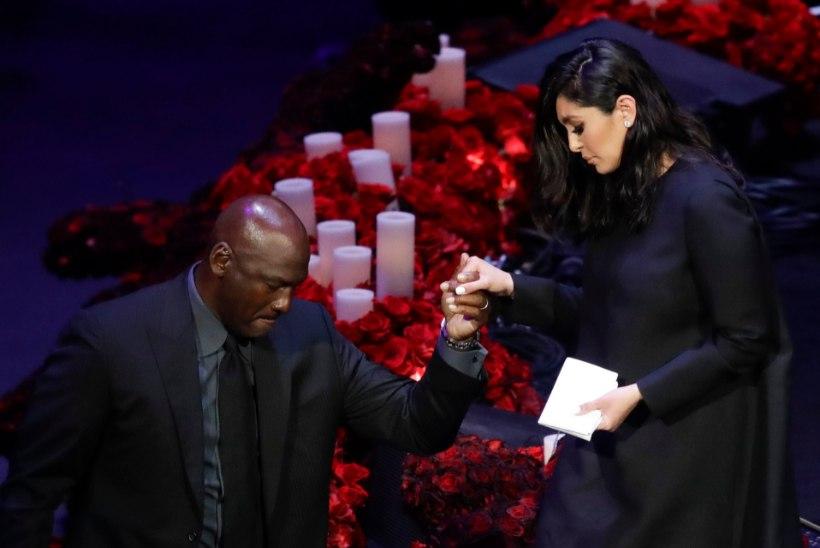 VIDEO | Pisarates Michael Jordan ja Vanessa Bryant pidasid Kobe ärasaatmisõhtul südamlikud kõned