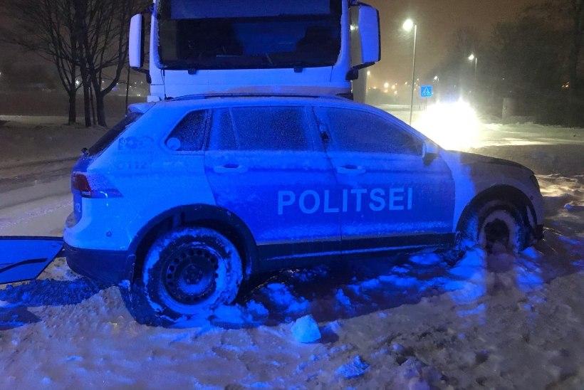 Politseinik sai Paldiskis juhtunud liiklusõnnetuses viga