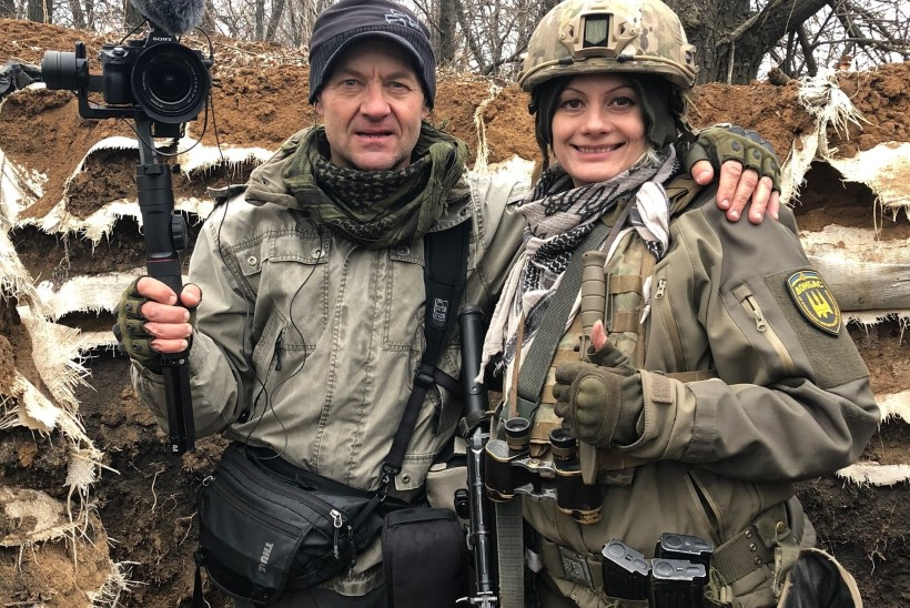 """Sõjaoperaator Ivar Heinmaa: """"Tõmbasin pea koos kaameraga eest ära ja põmm! – 20 sentimeetrit mu peast lendas kuul seina sisse!"""""""