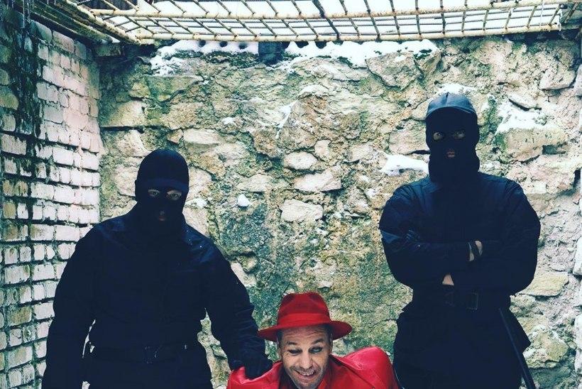 Till Lindemanni videos osalenud eestlane: läksin nii hoogu, et lõin talle saapaga näkku. Ta oli üliõnnelik!