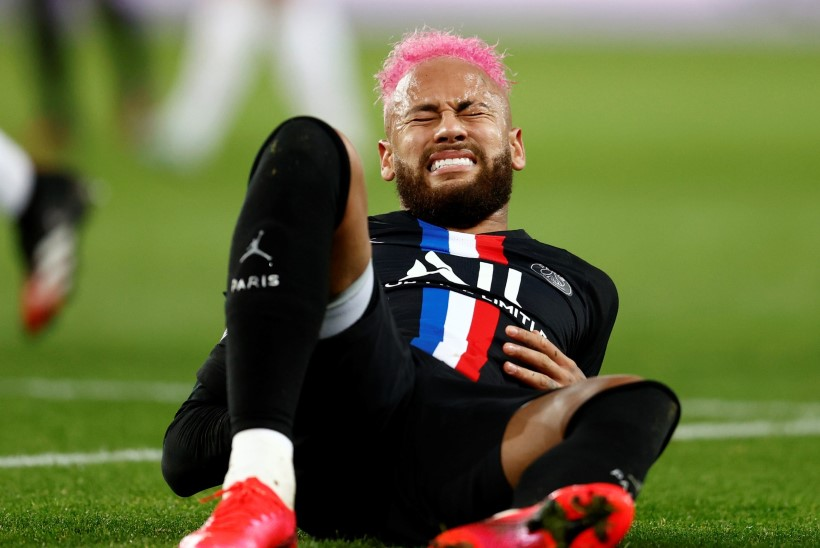 Äsja suure peo korraldanud Neymar jääb järgmisest mängust vigastuse tõttu kõrvale