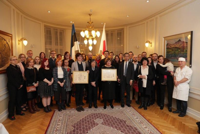 GALERII   PÖFF ja Jaapani kultuuriklubi Asashio said Jaapani välisminstrilt aukirja