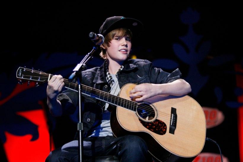 ELUOHTLIK SÕLTUVUS: Bieber alustas 13aastaselt päeva kanepi ja tablettidega