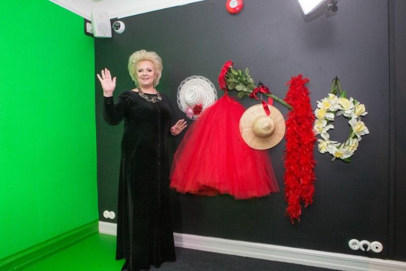 GALERII | Maarjamäe lossis avati Anne Veski esinemiskostüümide näitus