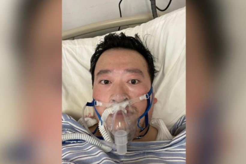 ABSURDITRAGÖÖDIA: Hiina kuulutas koroonaviirusest rääkida julgenud noore arsti surnuks, siis elusaks, siis jälle surnuks