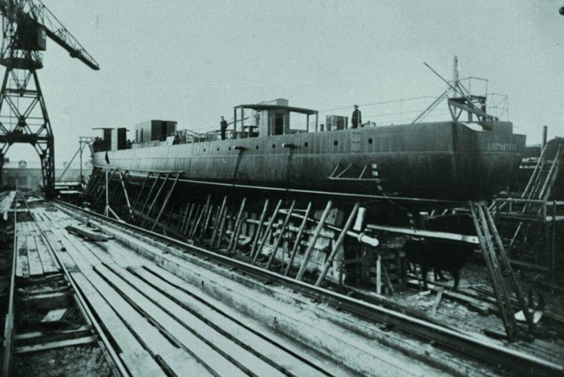 Mõõkadest allveelaevadeni: Eesti sõjatehaste toodangut osteti isegi Inglismaal, Rootsis ja USAs