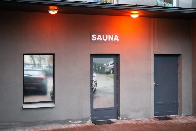 ORGIAD VEEL TOIMUVAD: Tallinna seksiklubis pole külastajate arv koroonast hoolimata kahanenud