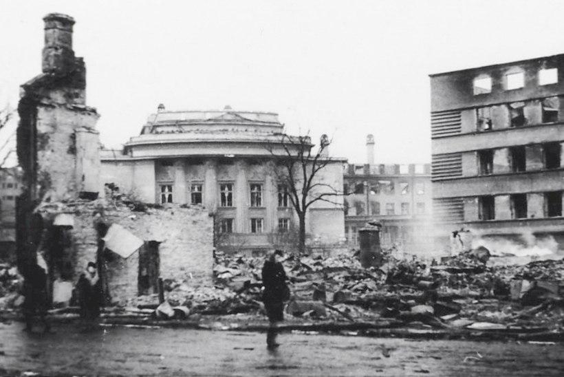 Märtsipommitamise müüdid: kas Tallinna purustasid britid või purjus punanõiad?
