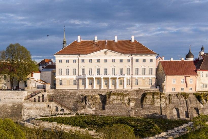 VALITSUS KUMMUTAB KUULUJUTTE: Tallinnas ei kehtestata liikumiskeeldu