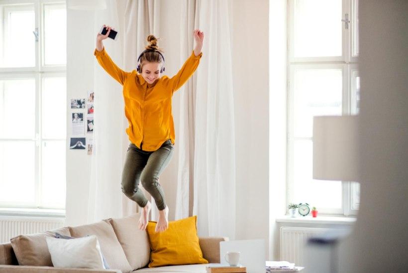 ÄRA JÄÄ KODUS ISTUMA! Liikumislabor soovitab, kuidas teha aktiivseid ja lõbusaid pause õppimisse