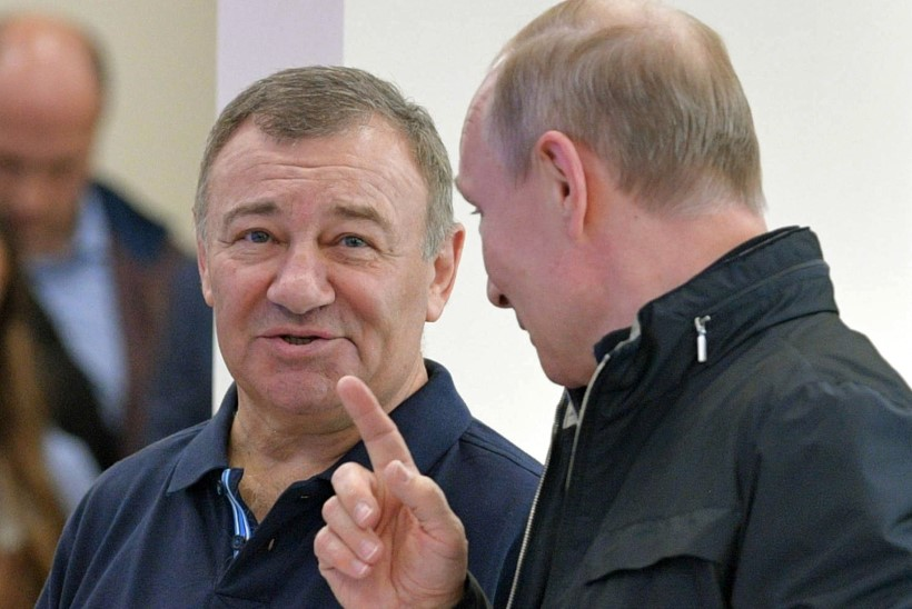 KRIMMI SILLA EEST: Putin omistas sõbrale töökangelase aunimetuse