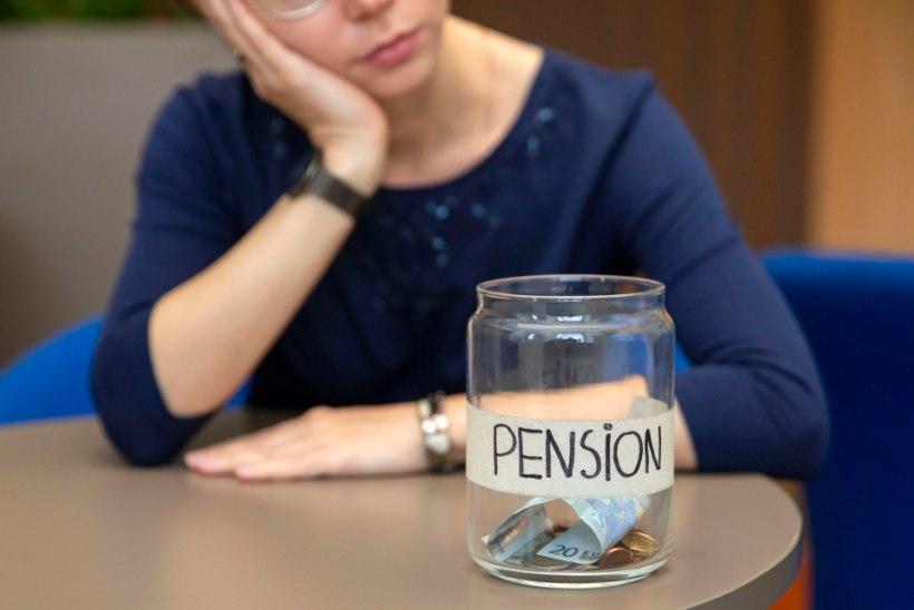 Valitsus tahab peatada II pensionisamba makseid, ent pall on praegu presidendi käes