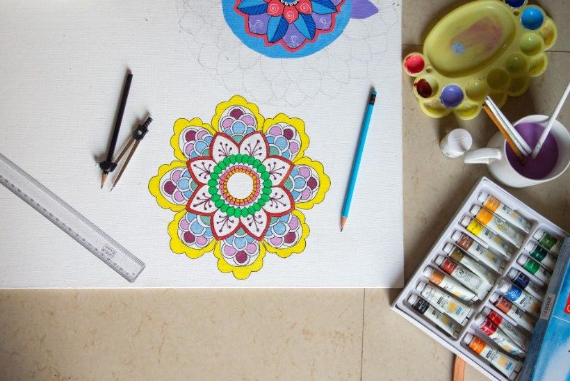 MÄRTSIKUU MANDALA | Värvi end rõõmsaks!
