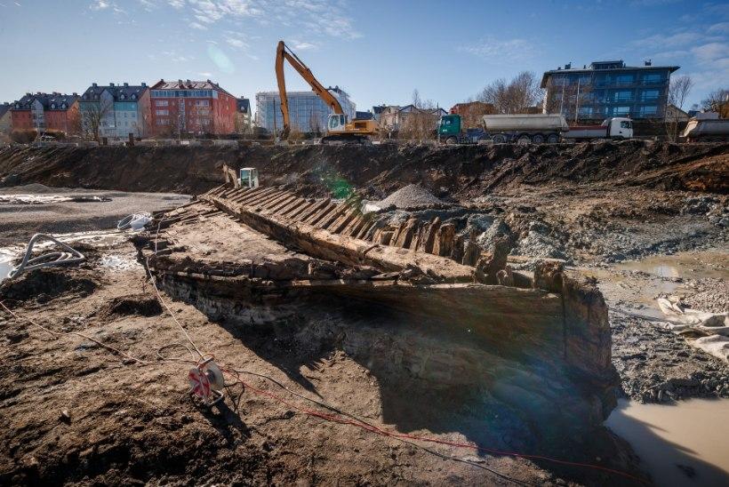 FOTOD | Ootamatu leid: Kalarannas tuli maa seest välja 18. sajandi laevavrakk