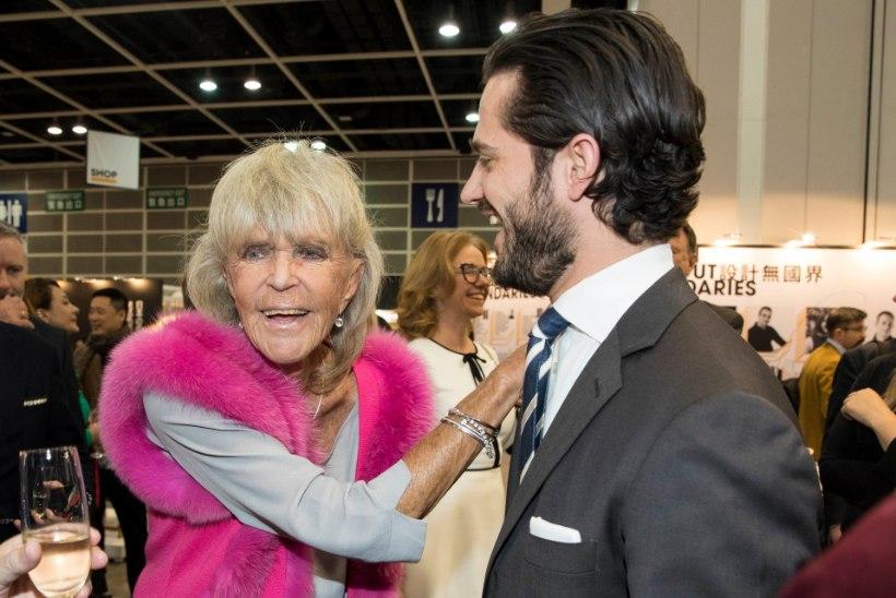 Rootsi kuninga õde kurdab, et koduses karantiinis on üüratult igav
