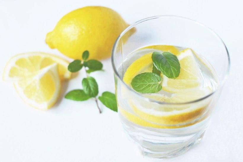 Kui palju ikkagi on tervislik vett juua? Nipiraamatu toimetaja proovis järele!