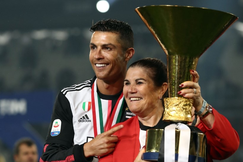 Insuldi üle elanud Ronaldo ema: olen õnnelik, et ellu jäin