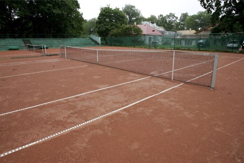 Ministeerium: tennisekeskustele pole antud eriluba avada välisväljakud ja korraldada seal trenne