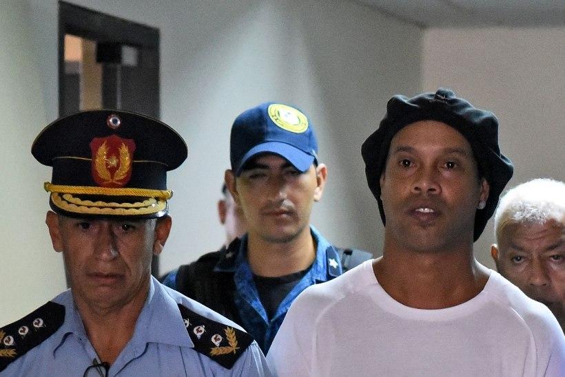 FOTO   Juubelit tähistanud Ronaldinho võttis sünnipäeva vastu vanglas