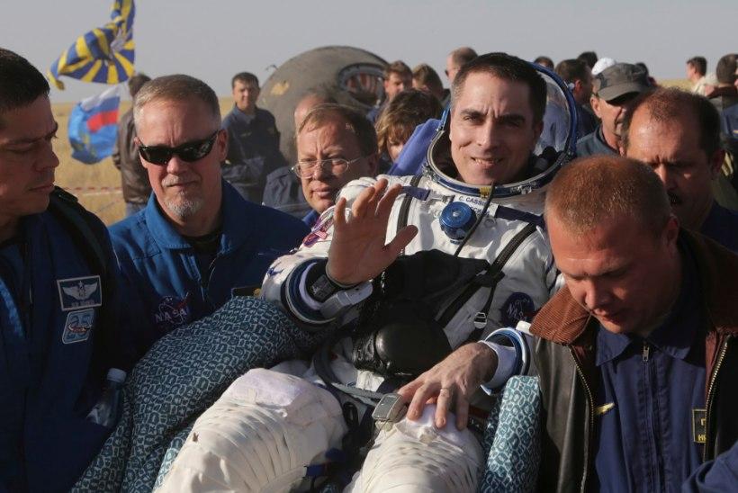 """Koroonaviiruse eest kosmosesse! Maalt lahkuv astronaut: """"Õnn kaasa teile kõigile!"""""""