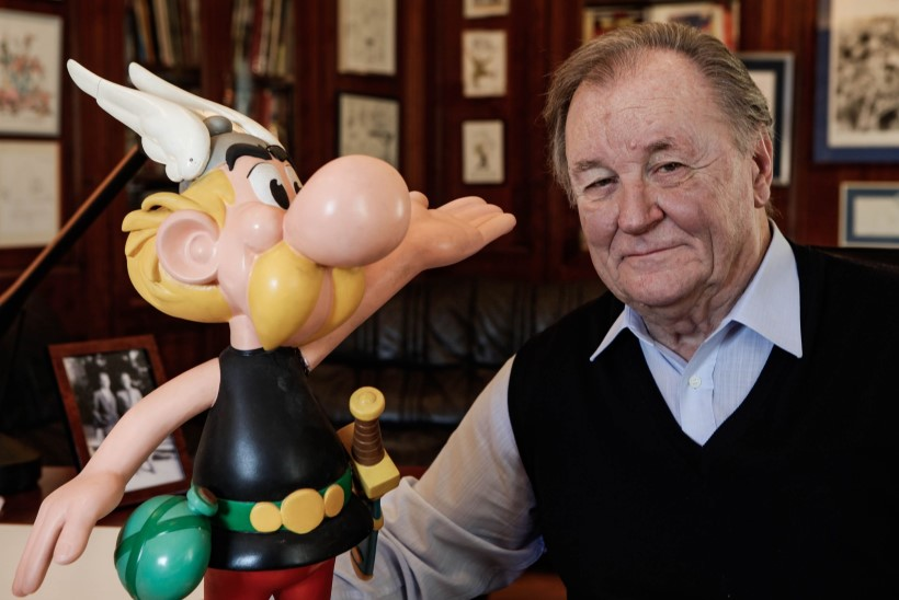 Suri Asterixi koomiksite kaasautor ja illustraator Albert Uderzo