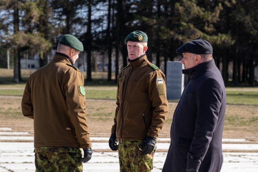 GALERII | Raivo Aeg asetas küüditatute mälestamiseks pärja kogu Eesti rahva eest