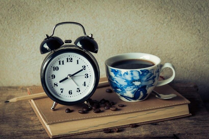 Pühapäeval tuleb kella keerata! 4 nippi, kuidas uue rütmiga juba täna harjuma hakata