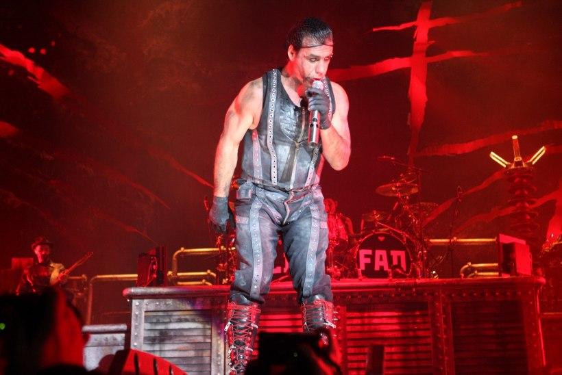 Rammsteini laulja Till Lindemann on koroonaviiruse tõttu intensiivravil!