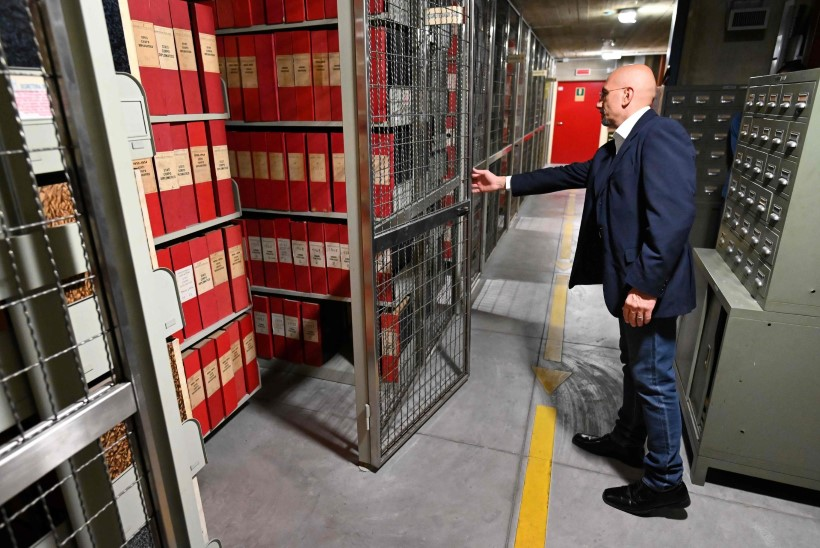 Vatikan avas uurijatele vastuolulise paavsti arhiivid
