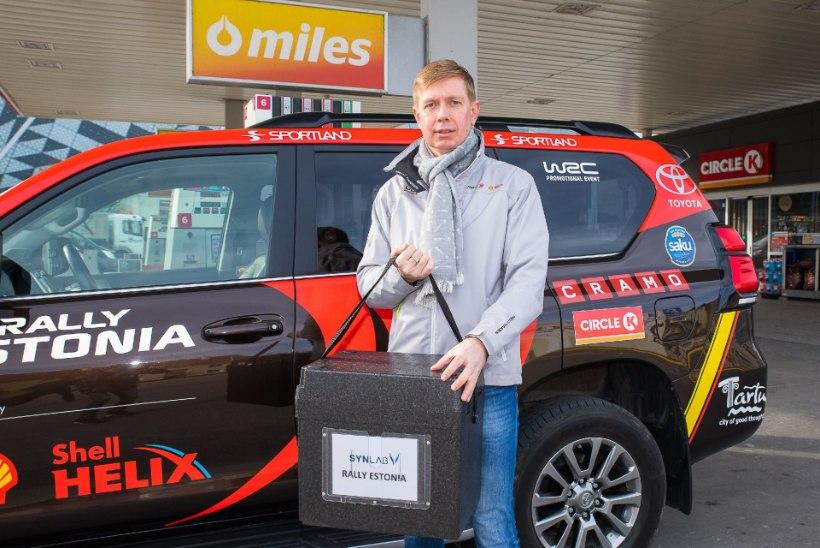 Rally Estonia vabatahtlikud aitavad viiruseproove pealinna toimetada