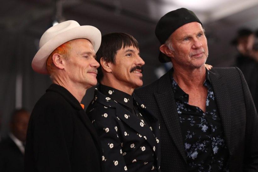 MÄLUMÄNG   Ansambel Red Hot Chili Peppers